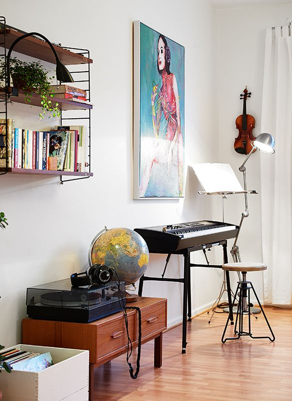 Best 25 violin stand ideas on pinterest for Violin decorating ideas