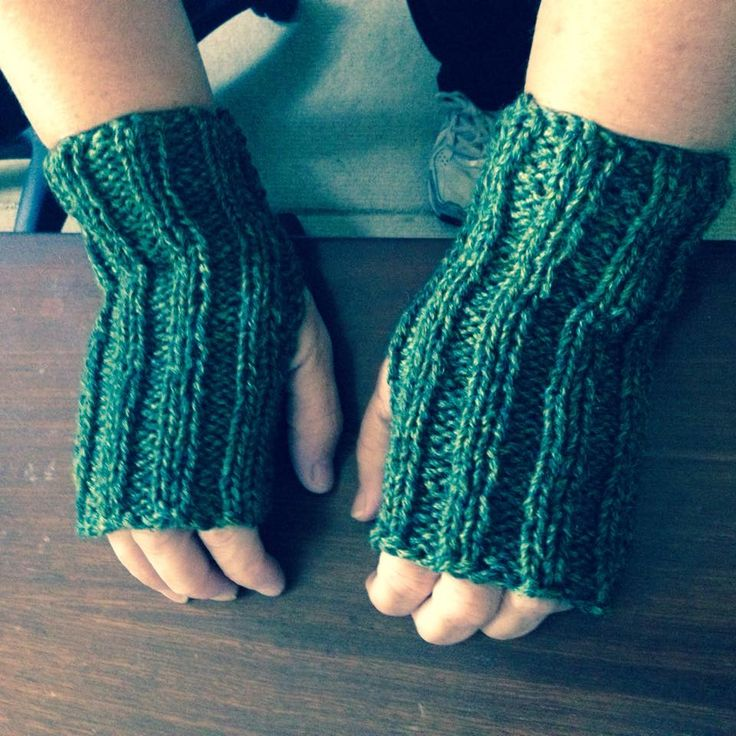 They are simple but warm, and made with love. We love to receive fingerless gloves!