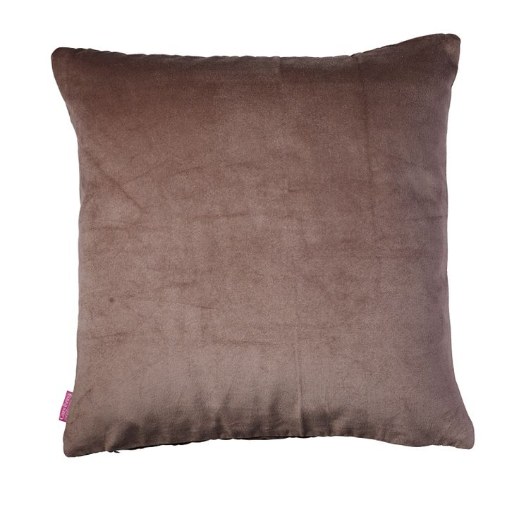 Cotton Velvet Pute 50×50 fra Cozy Living. Vi har de hos oss. Her er fargen Fossil. https://www.krogh-design.no/interior/puter/