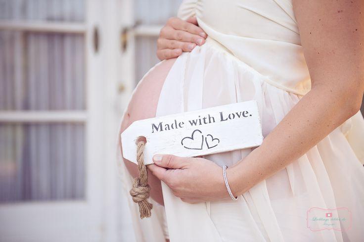 Hier findet ihr Babybauch- und Schwangerschaftsfotos aus Ludwigsburg, Stuttgart, Karlsruhe, Böblingen und Umgebung.