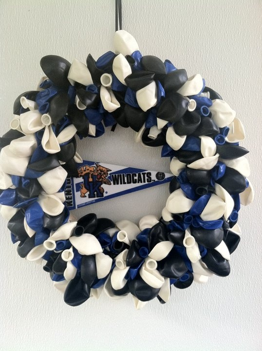 Kentucky Wildcats balloon wreath