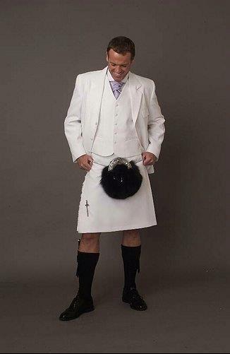 Formal white kilt, jacket & vest... Can you imagine this wedding?