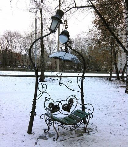 Романтичная лавочка в Новосибирске, Россия