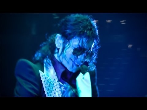 A hologram of the King of Pop, Michael Jackson, may be going on tour with his brothers (The Jackson 5) Jermaine, Jackie, Tito and Marlon.  A psychic tricked an elderly woman into paying her thousands of dollars. A Michael Jackson hologram might be going on tour with his money grubbing brothers and a deputy files a $50 Million lawsuit against the sheriff. In this 210tuesday.