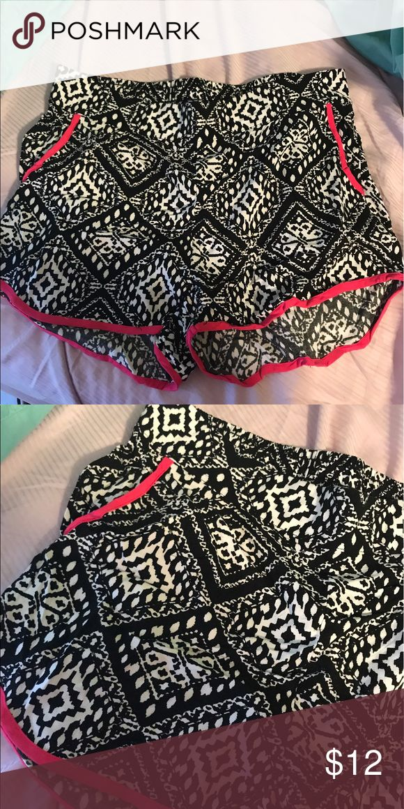Women's Aztec shorts NWOT Shorts