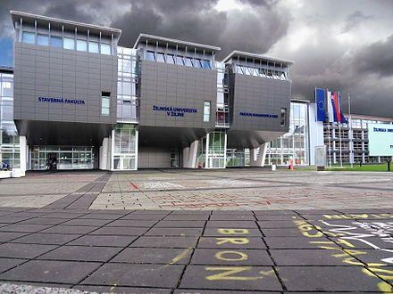 Nová moderná budova Žilinskej univerzity v Žiline