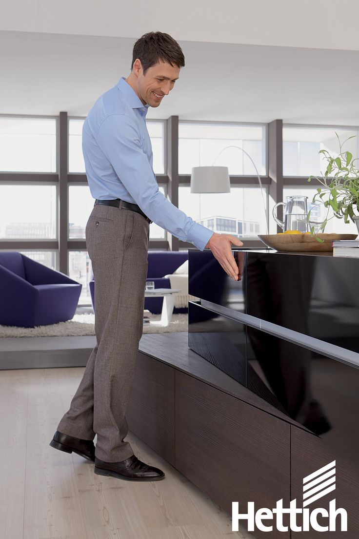 The benefits of the Hettich ArciTech Drawer Systems •Easy & smooth running action. •Exceptional stability with a loading capcity of up to 80kg •You can individualise the internal panels & DesignSides. • Huge range of internal organisation options. Click on the pin for more inspiration & information! #kitchendesign #kitchendrawers