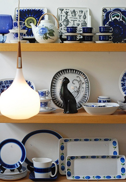 Scandinavian ceramics, http://www.flickr.com/photos/ninainvorm/4927305236/