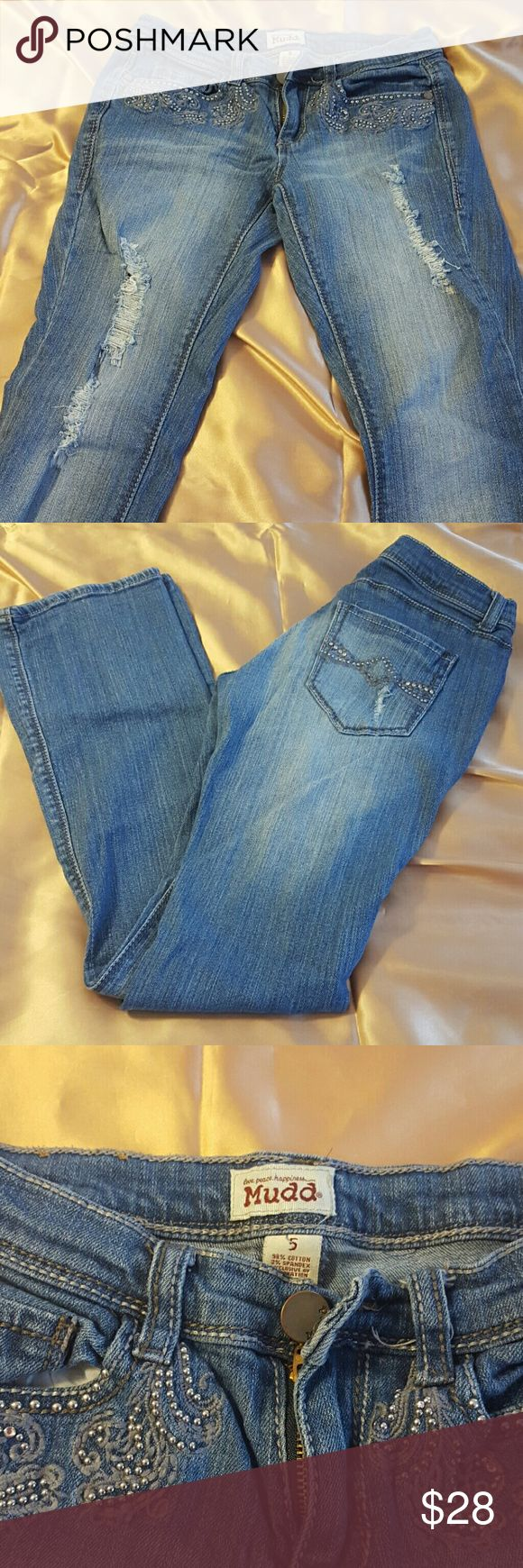 Mudd distressed with sequin  size 5 Jeans Very nice embroidered sequins distressed jeans. great for skinny women very stylish if you like distress Jeans. It's skinny legs with wade to the bottom so you can wear it with boot. Mudd  Jeans Boot Cut