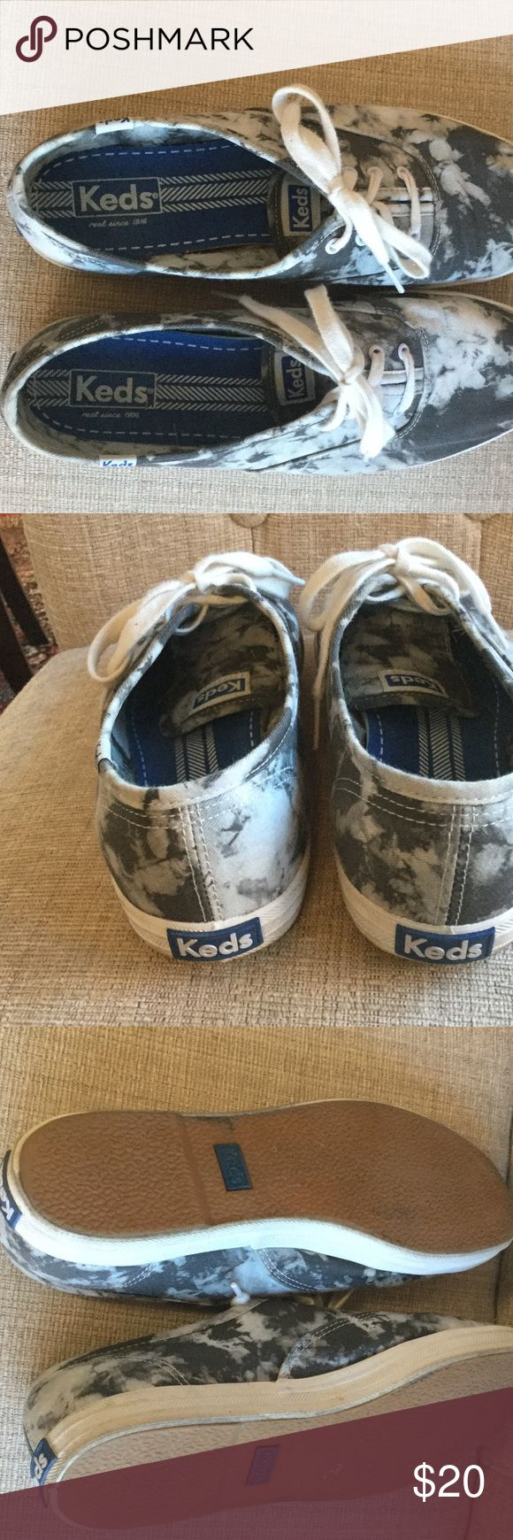 Keds sneakers Super cute Keds sneakers in a gray and white camouflage color Keds Shoes Sneakers