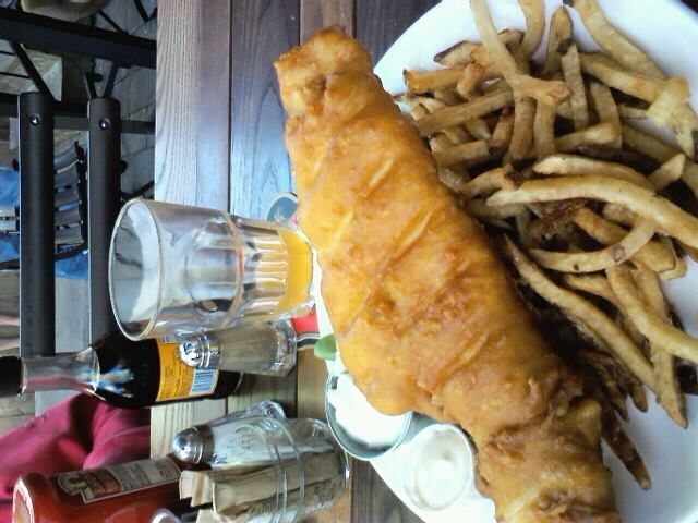 National dish, fish and chips and a half of London Pride #LONDONCALLING