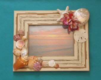"""Marco de fotos de la concha, caparazón imagen marco, decoración de la playa, playa blanca marco, decoración náutica, 5 """"x 7"""" marco, decoración costera, Shabby Chic, orquídea"""