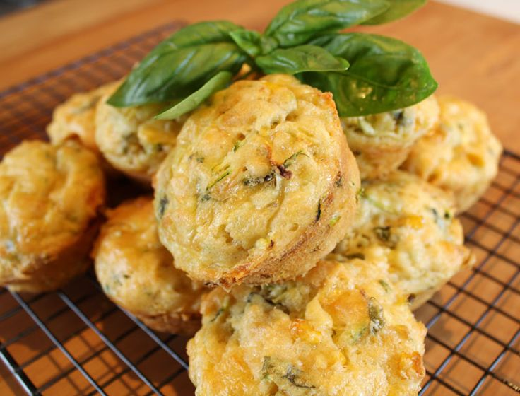Savoury veggie muffins made with zucchini, cheddar cheese and sweet corn. They are great for the kids lunchboxes, with a salad, or eaten for breakfast.