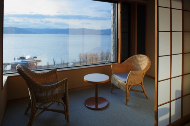 諏訪湖が一望できるお部屋。    上諏訪温泉 ホテル紅や  [Hotel Beniya]-kamisuwa Onsen,Nagano,Japan