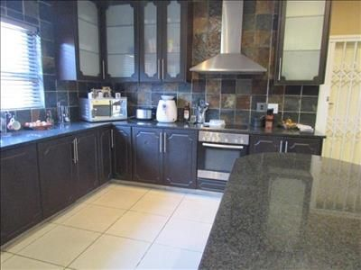 Panorama, 4Bed / 3Bath / 3Living Areas,Braairoom/, Cape Town, WC, South Africa, 7500 shared via RESAAS
