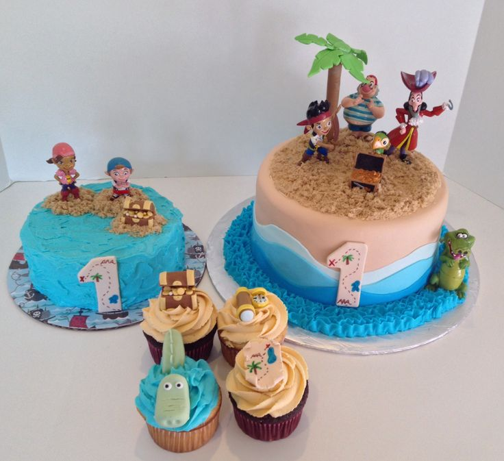 Jake and the Neverland pirates cake and cupcakes
