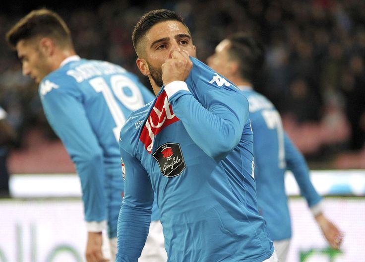 @Napoli Il Napoli non approfitta del passo falso della Juventus e riesce solo a pareggiare contro il Milan. Bonaventura replica all'iniziale vantaggio azzurro con Lorenzo Insigne #9ine