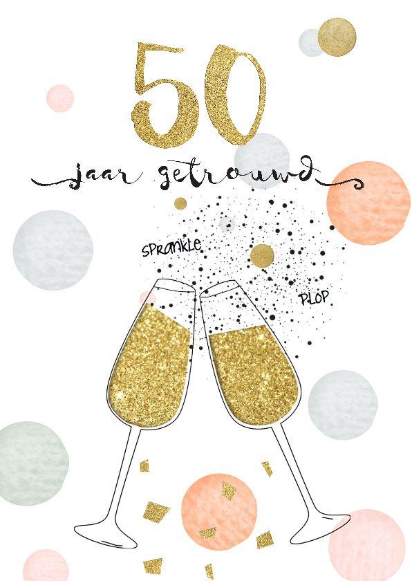 Unieke feestelijke huwelijksjubileumuitnodiging met confetti, goud look en champagneglazen, verkrijgbaar bij #kaartje2go voor €1,89