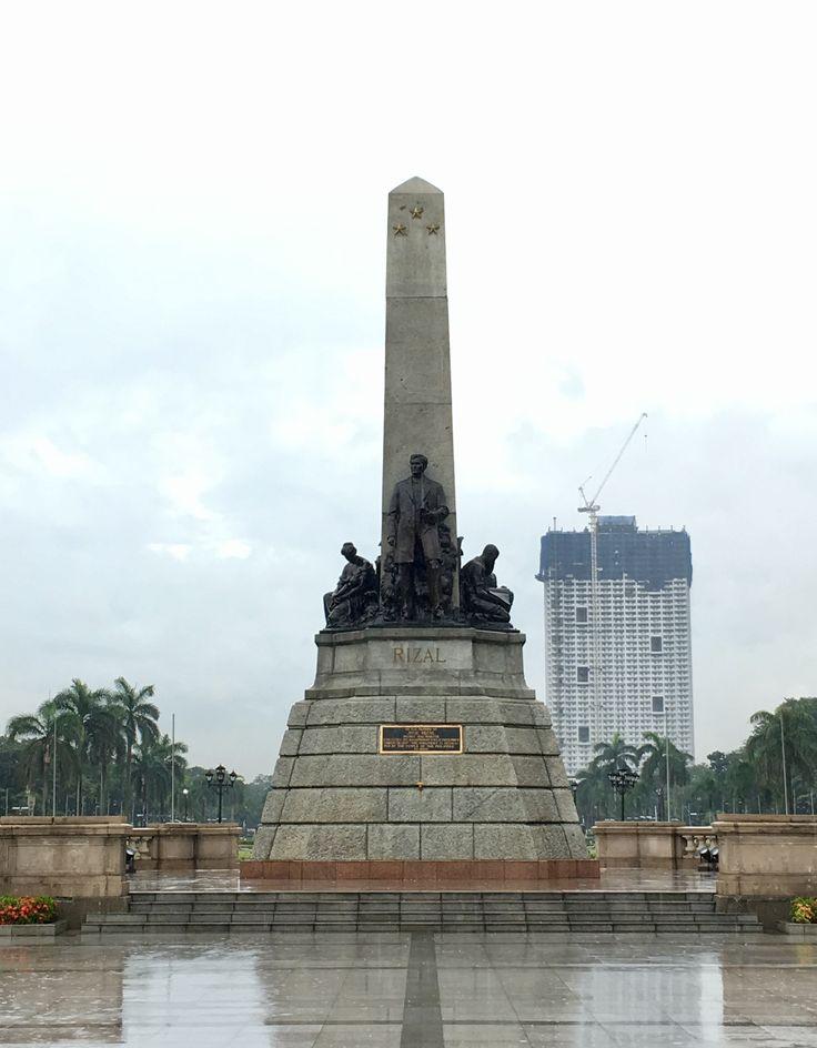 Rizal Park -- the old Bagumbayan; ignore the photobombing condominium behind the scene