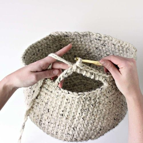 Darling Be Brave crochet basket tutorial (use jute + cotton instead)