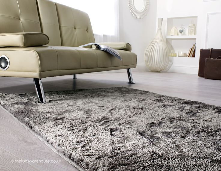 Wisp Silver Rug  a soft machine woven shaggy rug with short thick pile. 17 best ideas about Shaggy Rug on Pinterest   Fluffy rug  Black