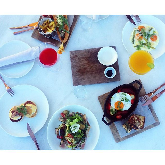 Starting off the day right, with Sunday brunch essentials at NEW Art Lounge!  Photo by @loukianna_l