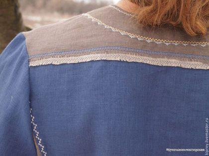 Купить или заказать Рубаха мужская льняная 'Славная' в интернет-магазине на Ярмарке Мастеров. Элегантная мужская рубашка цвета чистого неба! Сшита из натурального льна, украшена изящной машинной вышивкой, декорирована по швам бахромой ручной работы. Особый покрой обеспечивает хорошую посадку рубашки на фигуре. Хорошо будет смотреться на мужчине любого возраста. Данная модель прекрасно сочетается с джинсами. Но если вы хотите следовать традициям - носите ее с льняными брюками!