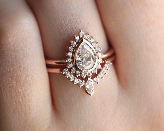 Anillo de diamantes Halo Moissanite en oro macizo de 14 k 18 k con banda a juego y halo de diamantes   – I SAID I DO ♥
