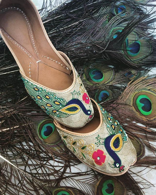 Dance your sangeet night away in a pair of traditional handcrafted juttis from @tradition_meets_trends filled with pretty #peacock #motifs and all the pretty colours in the rainbow .. #pink #peacock #juttis #shoes #shoegame #shoegameOnPoint #happyFeet #pretty