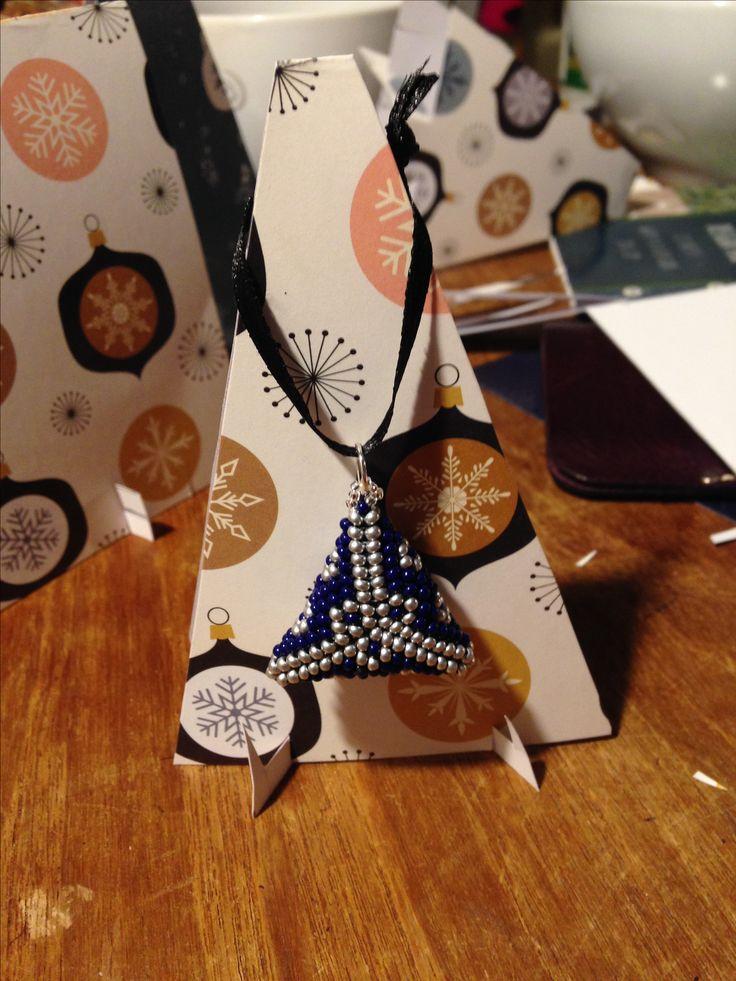 Seed bead 11 puffy 3D peyote triangle pendant