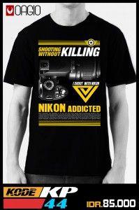 Kaos Distro Nikon KP44 produk OAGIO Bandung dengan bahan menggunakan katun combed 24s warna hitam. Tersedia ukuran M, L, dan XL. Kaos distro murah yang menyasar pasar fotografer Indonesia untuk para pengguna kamera NIKON.