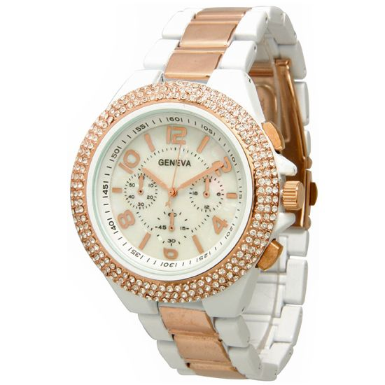 The major characteristic of these wrist watches is their refined look. These are the best watches to wear, if you are going to enjoy a party. Rose gold watches are available in different combinations in the market. These are being appreciated by the young girls especially. Rose gold wrist watches with a combination of silver and gold with rose gold are being the most voguish wrist watches. Rose gold watches are going to be very trendy watches in 2015.