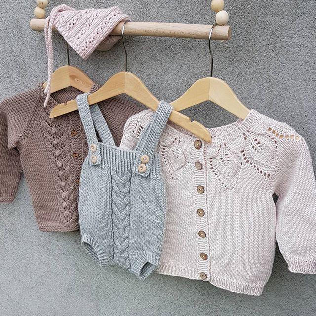 View frokenstrikkepinne's Instagram #babystrikk #dahliajakke #kalinkaromper #knittinginspiration #knit #knitting #knitted #knittersofinstagram #knitstagram #instaknit #knitting_inspiration #babyjakke #ministil #yarndropsnorway #lerkegarn #dalegarn #følgstrikkere #ministrikk #leneholmesamsøe #kjærlighetpåpinner 1605956006452884628_1477005757