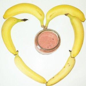 Banana Smoothie love at Natural Nibs (www.naturalnibs.com)