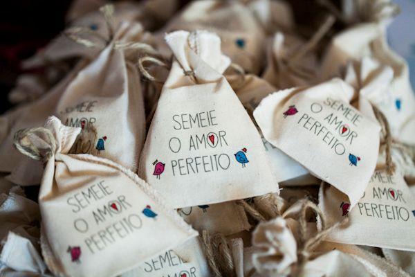 www.amandacosta.com  Casamento Bia ♥ Ricardo – Colher de Chá Noivas | Blog de casamento por Manoela Cesar