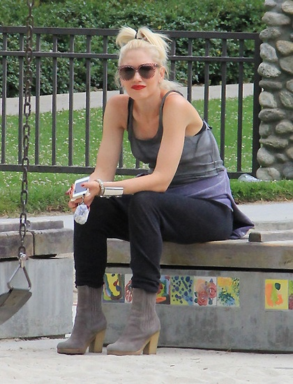 #gwenstefani took her boys to Coldwater Canyon Park this afternoon, June 4 http://beaconstreetonline.net/gwen-stefani/candids-june-4-gwen-takes-zuma-to-the-park