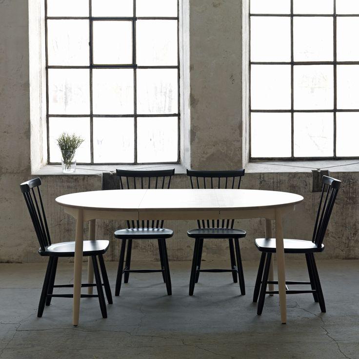 Carl matbord tillverkat i massiv björk med två iläggsskivor. Bordet har en ljus matt lack som ger det en tålig yta och får bordet att se vitoljat ut. Carl matbord från Stolab är skapat för att hylla Carl Malmsten och hans klassiska pinnstol Lilla Åland, vars form är stadig, självklar, funktionell och taktil. Bordet Carl tar upp stolens karaktär med svarvade utställda ben och fasad kant på skivan. Den runda formlimmade sargen har en mjuk profil för att ge ett böljande organiskt intryck.
