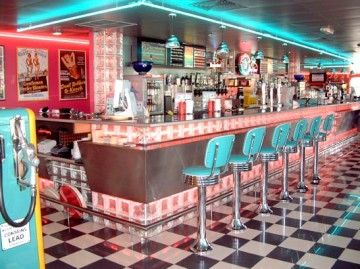 authentic fifties decor and diner restaurant - Recherche Google