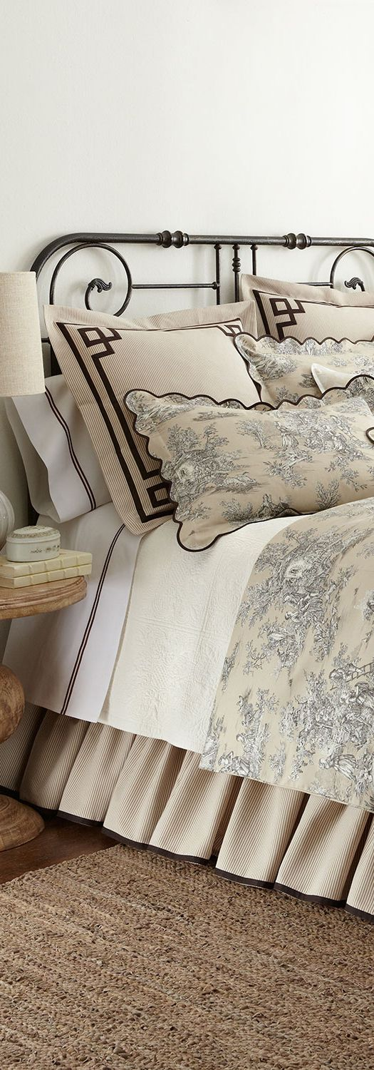 designer bedding choose from a stunning selection of designer and luxury bedding from all the top brands including ralph lauren sferra and more