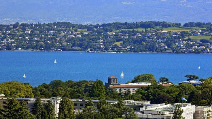 "19.9.14 - From @InterConGeneva - ""Discover the View from...Top Floor...#Hills #FriFotos pic.twitter.com/nX4L2R0sTW"""