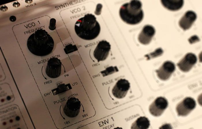 Voltage-Controlled Oscillator (VCO) | The Synthesizer Academy