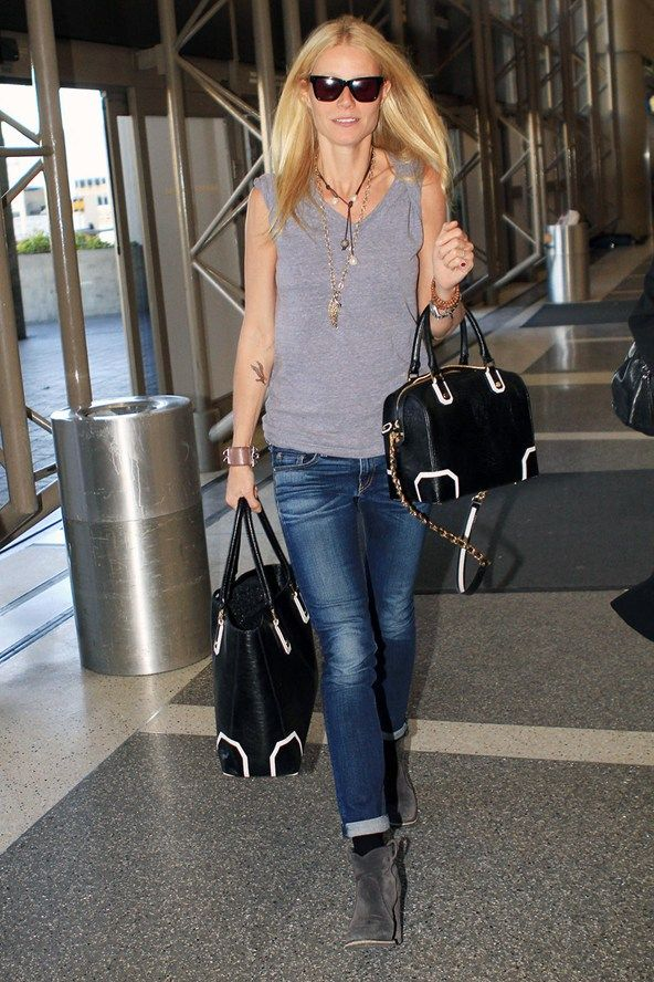 Gwyneth Paltrow Airport Style! Simple outfit perfectly accessoried with matching handbags ...