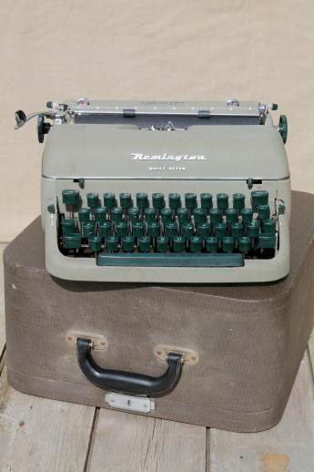 vintage Remington portable typewriter w/ tweed case, 1950s Remington Rand Quiet-Riter typewriter