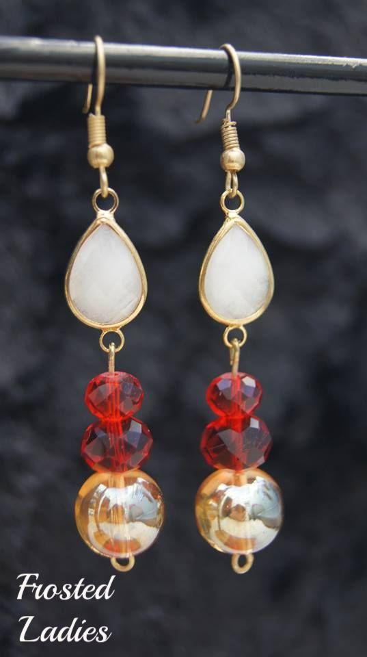 ❤Life Χειροποίητα Σκουλαρίκια φτιαγμένα με teardrops opal white και ΑΒ gold beads και κρύσταλλα Τσεχίας .  Ανακαλύψτε την μοναδική αισθητική και το άψογο αποτέλεσμα. .