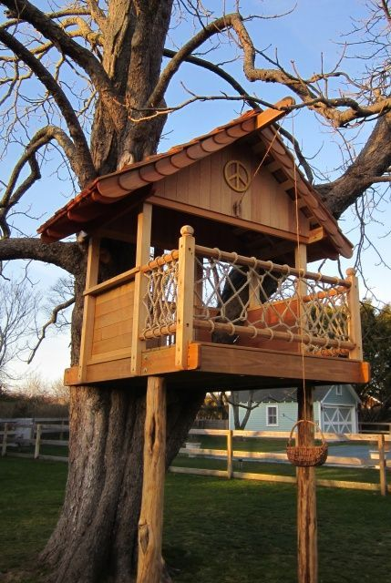 See More Ideas About Cool Treehouse Simple Inside Small Pallet