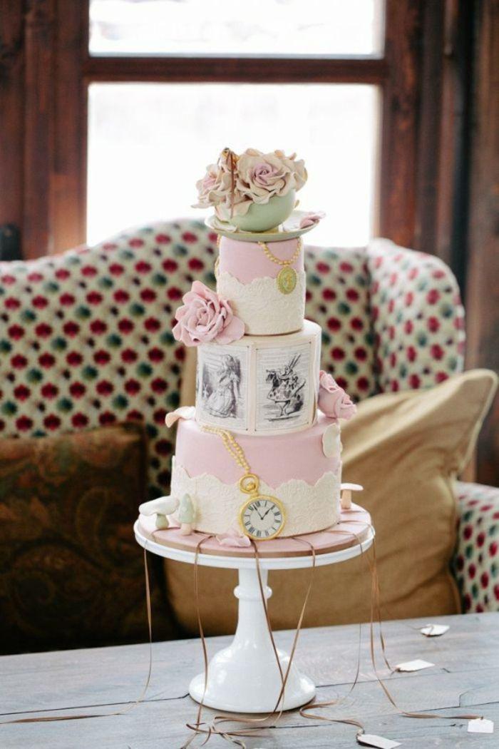 Alice au pays des merveilles Disney déco mariage de princesse couple heureuse