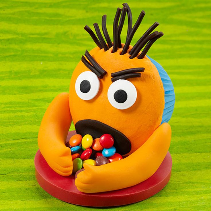 Imagine everyone?s surprise when this orange monster cupcake eats up all the candy at your birthday party?