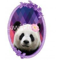 panda in bloemenkader met geometrische achtergrond. strijkapplicatie www.lavviebbel.be