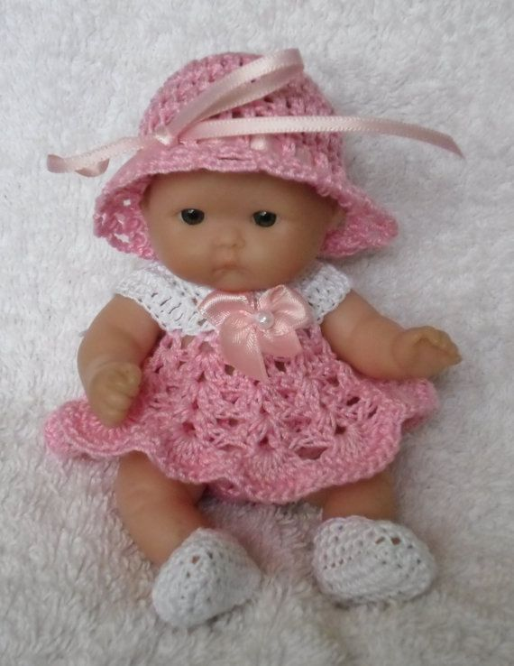 This pattern consists of a dress, hat, knickers and shoes. It uses fine crochet cotton size 10    I have included a conversion chart for stitches,