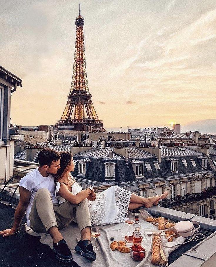 фото целующихся на фоне эйфелевой башни определяется очерёдность каждого